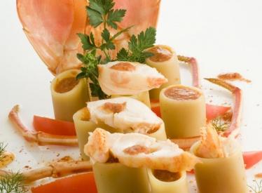 Bottarga di muggine con pere, crescione e noci